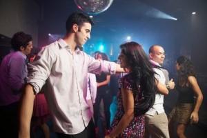 Cómo entrar a una chica en una discoteca | Noviazgos.com